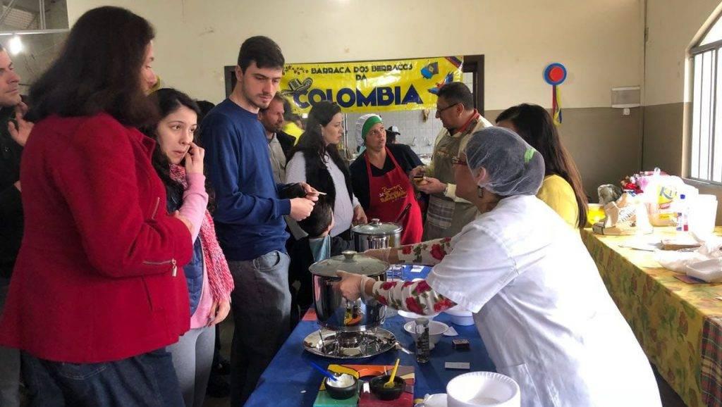 Garagem Latina: Gastronomia, história e antiguidades