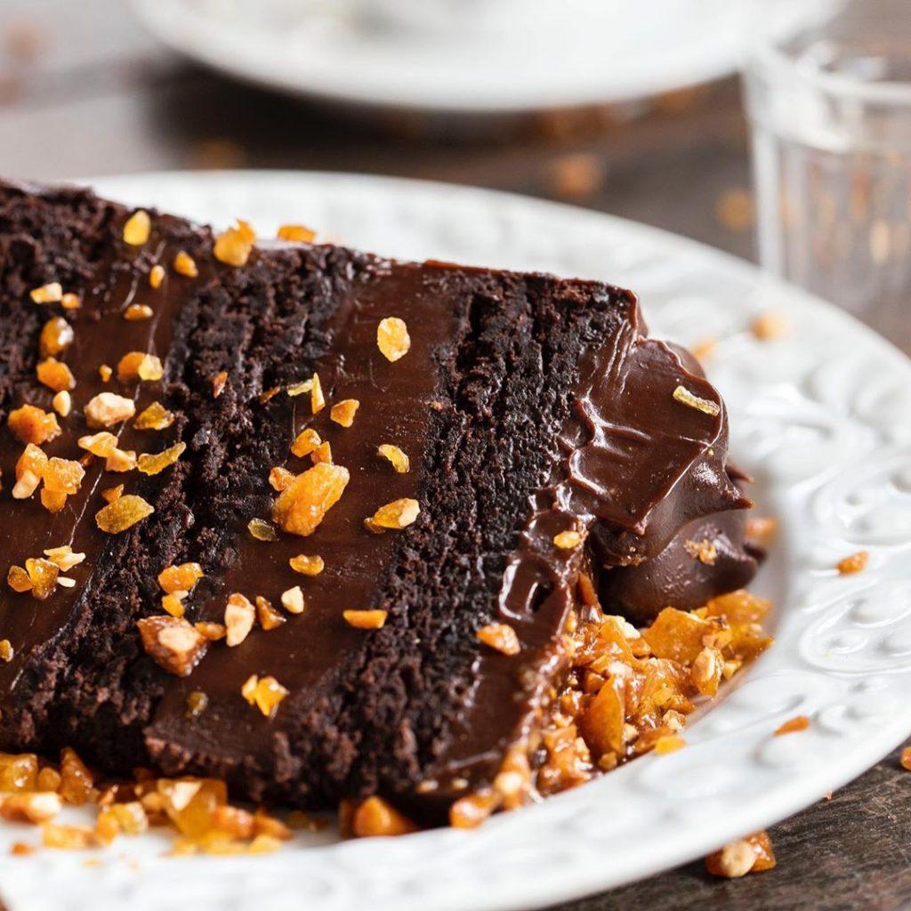 pedaço bolo de chocolate devils cake