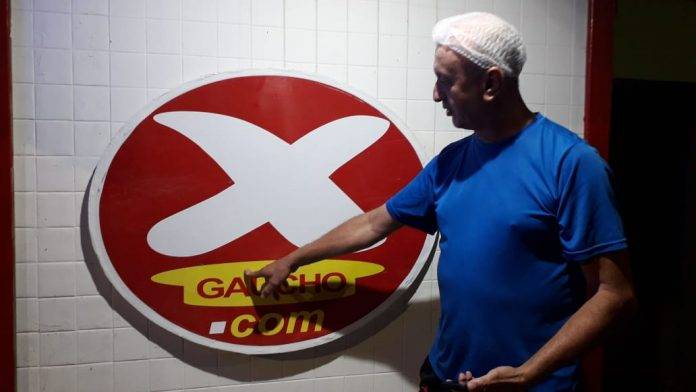 Restaurante gaúcho responde clientes no ifood