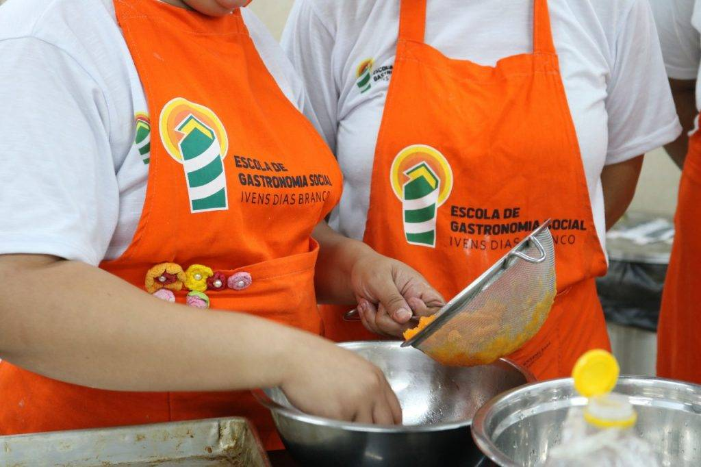Escola de Gastronomia Social oferta 210 vagas gratuitas em cursos profissionalizantes