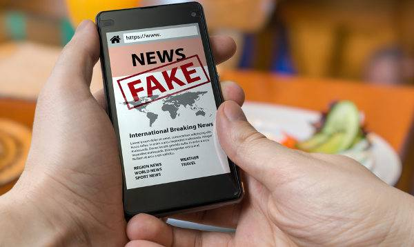 espalhar noticias falsas