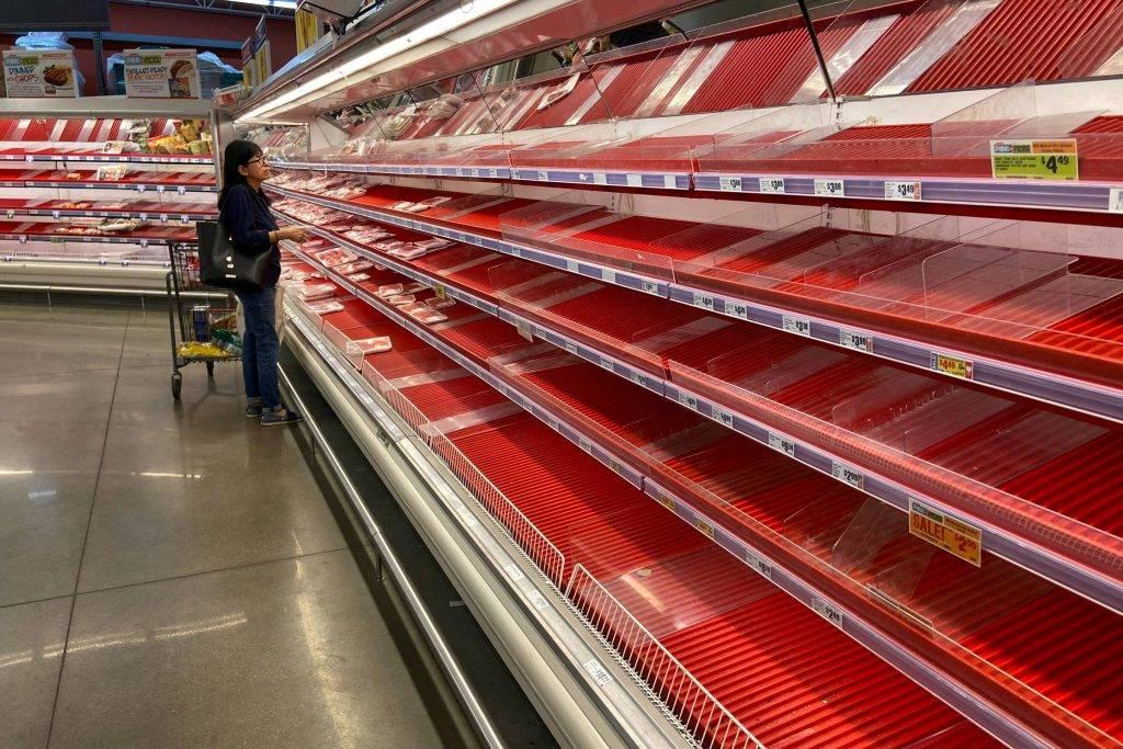 EUA tem prateleiras de carnes praticamente vazias