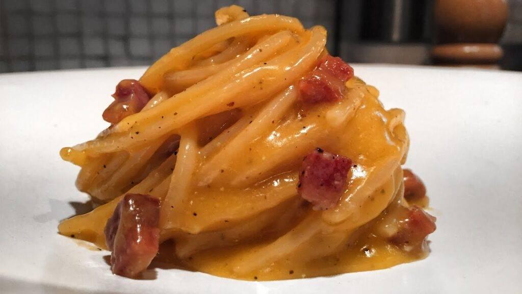 Aprenda como Fazer o Tradicional Spaghetti a Carbonara