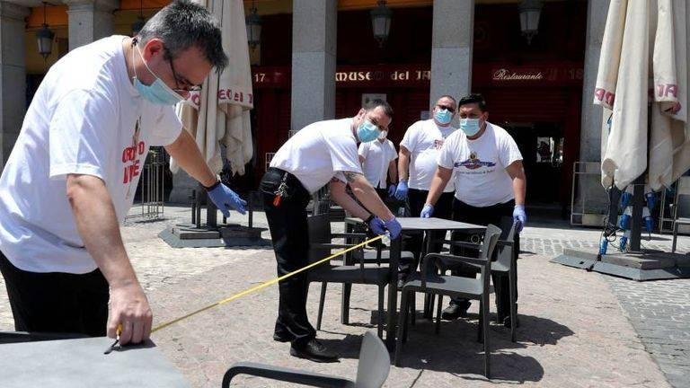 Chefs espanhóis se reinventam para reabrir seus restaurantes