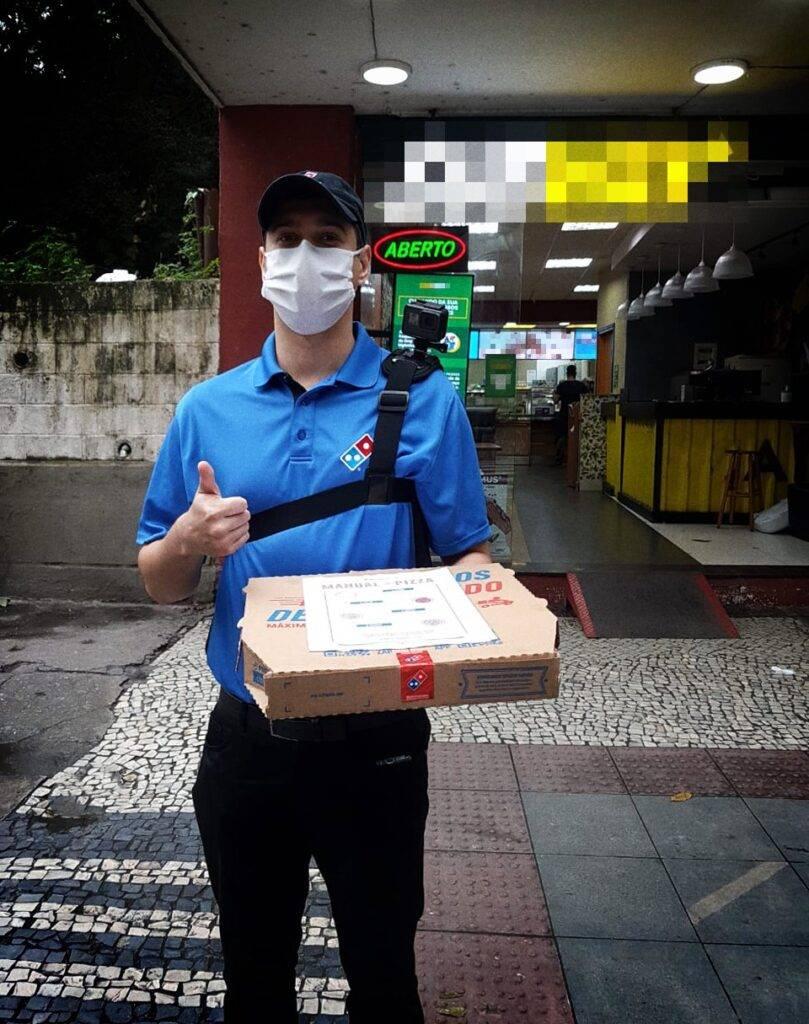 """Domino's dá 1 ano de pizza para o cliente que recebeu """"pizza"""" do Subway"""