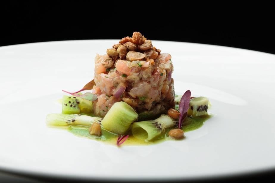 Tartar de Atum com Creme de Lentilha e kiwi- Chef Moacir Santana