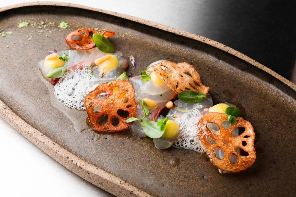 Peixe Curado, Purê de Limão Siciliano e Vinagrete de Algas com Beldroega Chef Dudu Poerner