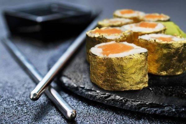 Restaurante paulista cria sushi da ostentação com ouro de 24k